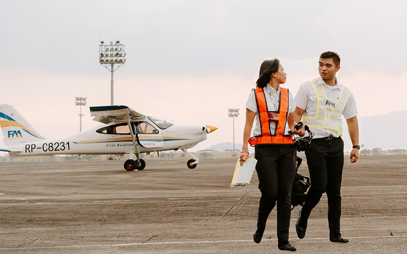 Five Questions You Should Ask a Flight School before Enrolling